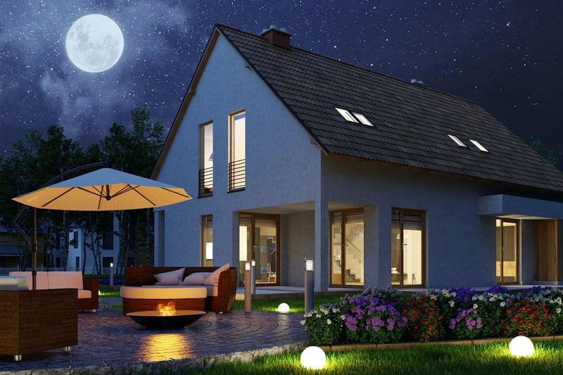 Hamann-Garten-Terrassenplatte-nacht-haus-800