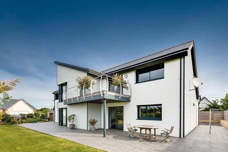 Hamann-Außenansicht-Fassadenbekleidung-weiß