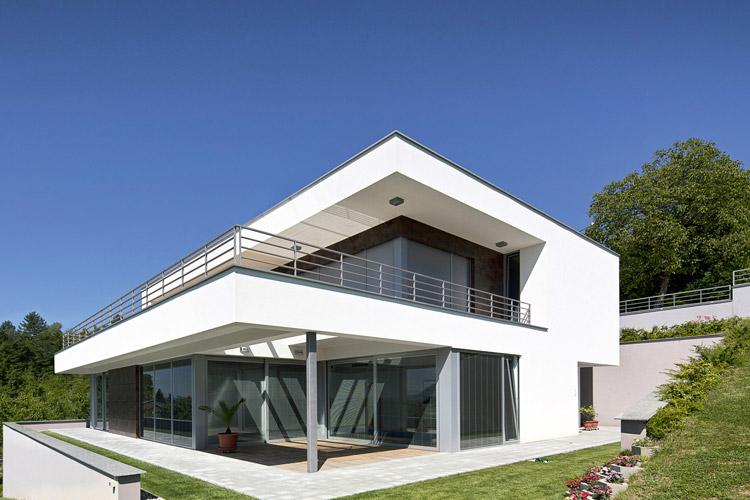 Hamann-Haus-weiß-Fassade-Putz-750